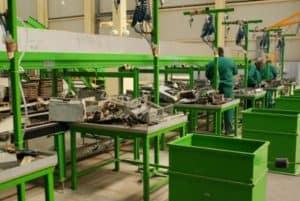 поточна линия в цех за преработка на излязло от употреба електронно оборудване