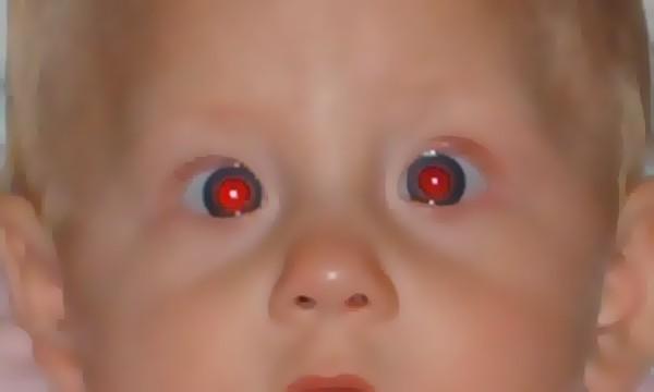 Защо на снимките сме с червени очи.